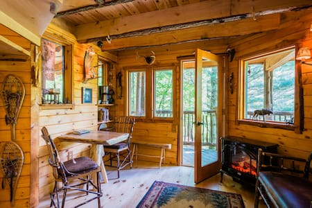 Moose Meadow Lodge - Treehouse - Waterbury - Treehouse