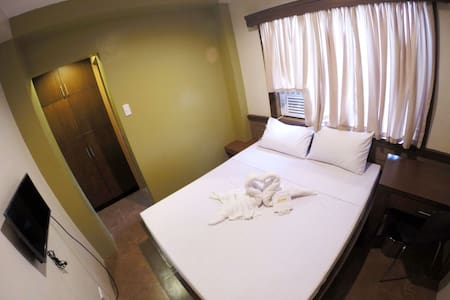 Pension House with 25 Private Rooms - Dumaguete