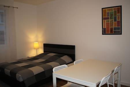 Studio meublé proche centre-ville - Saintes