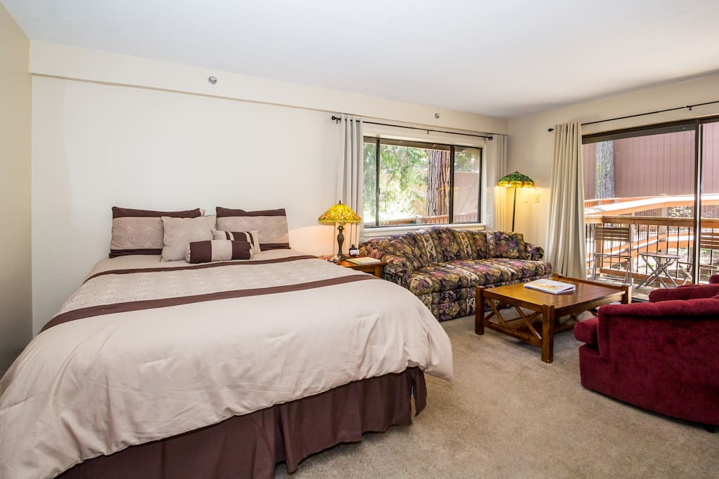 Condo can sleep up to 4 people on 2 queen beds.
