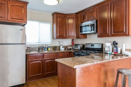 Cozy 1BD w/ W/D and Full Kitchen - Los Angeles - Lakás