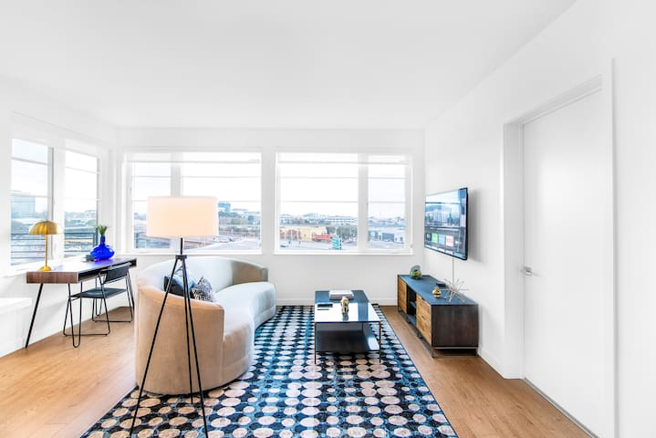TRIBE ❤️ New! Top Floor 2BR in South San Francisco
