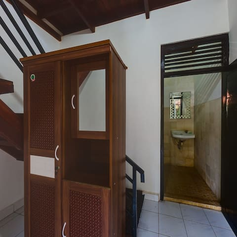 TirtaYogaInn,Double Bedroom with AC - Manggis - Bed & Breakfast