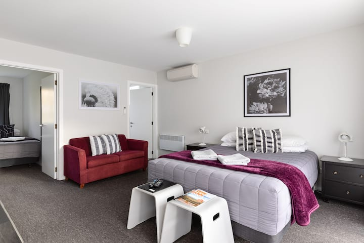 Family One Bedroom at Arrowtown Motel Apartments