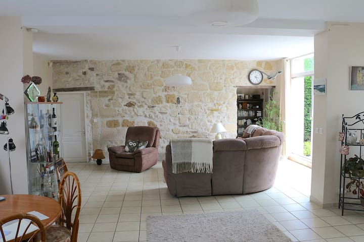Big room No2 with bathroom near Paris (Maurecourt) - Maurecourt - Maison