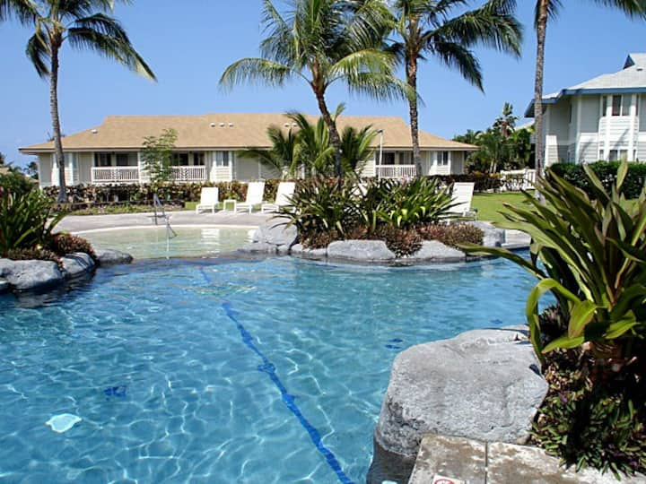 Desirable location on Alii Drive with Ocean veiw