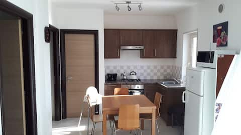 Pizzo Beach Club. Outstanding 2 bed apartment 88F
