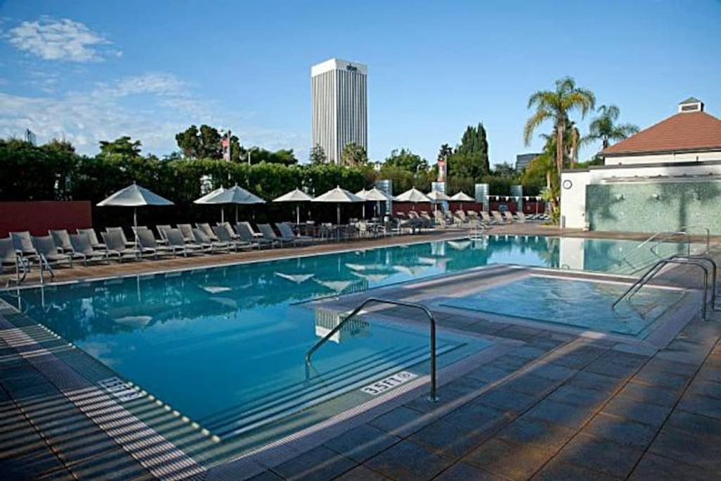 Hollywood Beverly Hills Hot Spot Upscale Gated Condominiums For Rent In Los Angeles