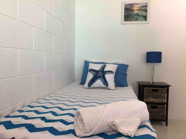 Room 2 - Henrietta St, Single bed.