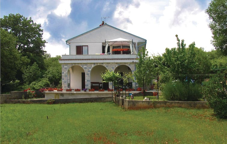 Holiday apartment with 2 bedrooms on 52 m² in Malinska