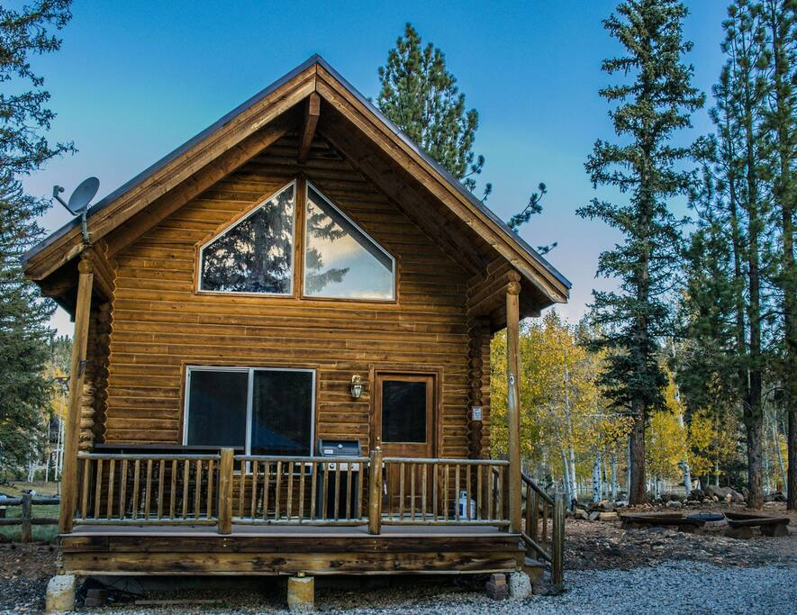 Front View - Rustic Elegance Cabin