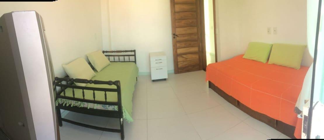 Excelente quarto em ótima localização!!! - Ilhéus - Leilighet