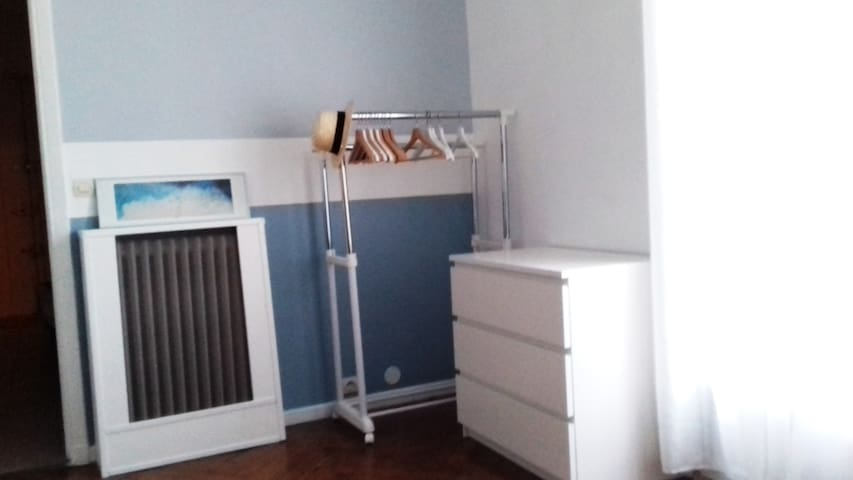 Penderie, commode/wardrobe, dresser