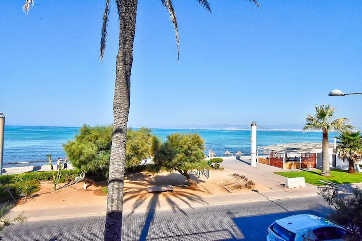 Cartago Duplex 1, spacious seaview apartment on the first sea line