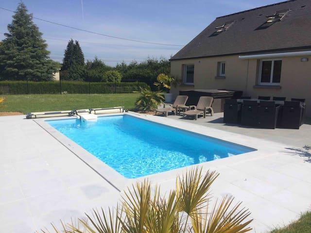 Propriété avec accès piscine & Spa
