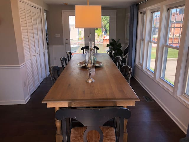 Canal access/lake view home on the nautical mile
