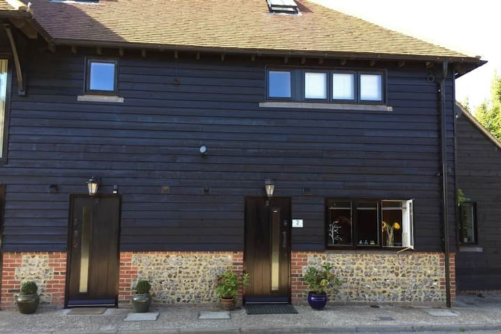 2 Rooms in a beautiful converted barn.
