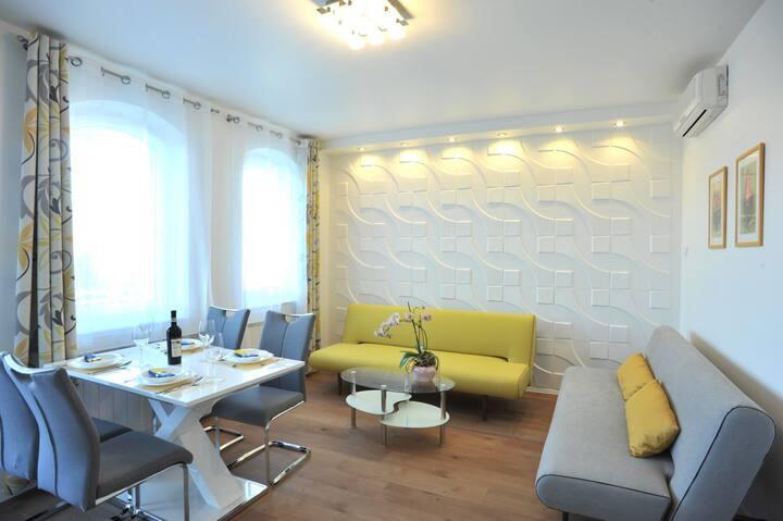 Hillside Premium Apartments - Gray