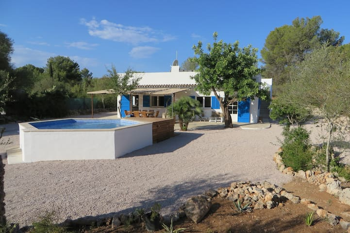 Finca del Bosque, a spacious and quiet finca - Algaida - House