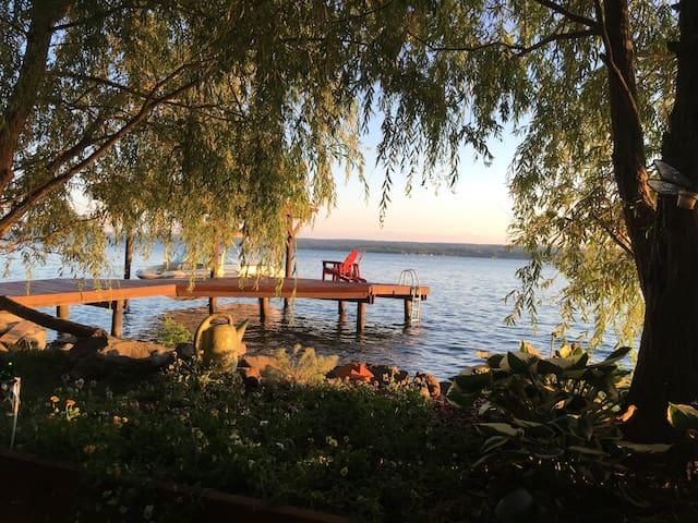 LABOR DAY ON BEAUTIFUL CAYUGA LAKE: SLEEPS 14