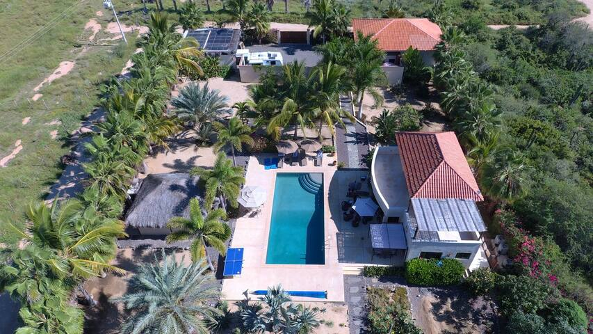 Private Tropical Oasis with Pool, Minutes to Beach