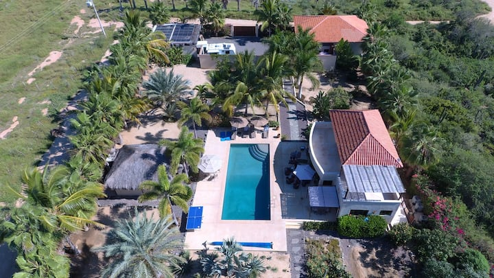 Private Tropical Oasis with Pool, Large groups