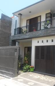 Royal 8 Sanur Villa - 登巴萨 - 别墅