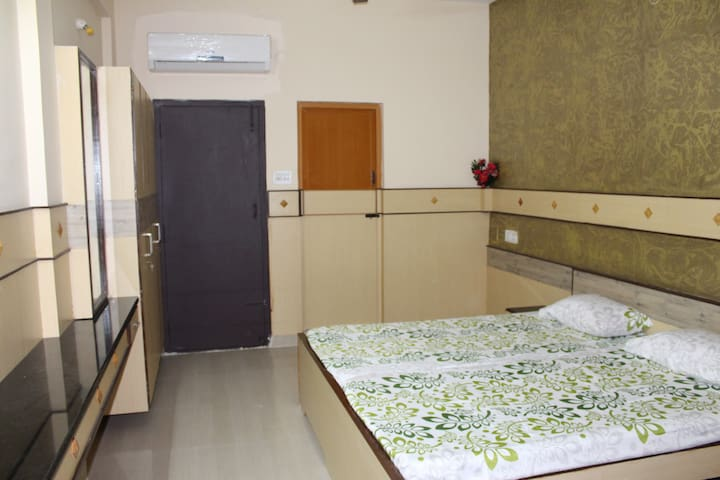 ROYAL PARADISE INN - Coimbatore - Appartement