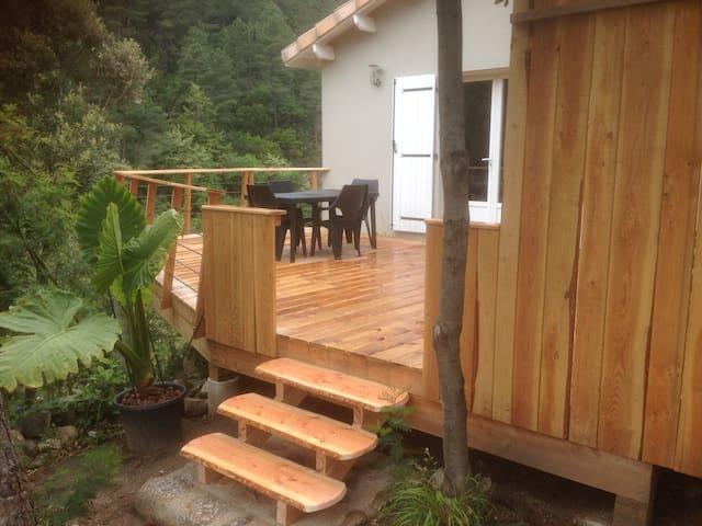 Le gîte avec sa terrasse de 40m2