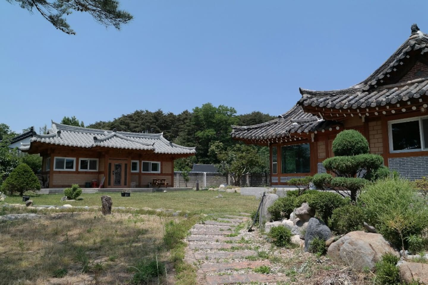 Whole View of the house (전경)