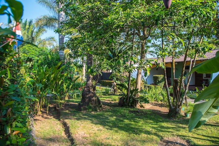 2br for families - Tropical Garden Jaco ⭐⭐⭐⭐⭐.