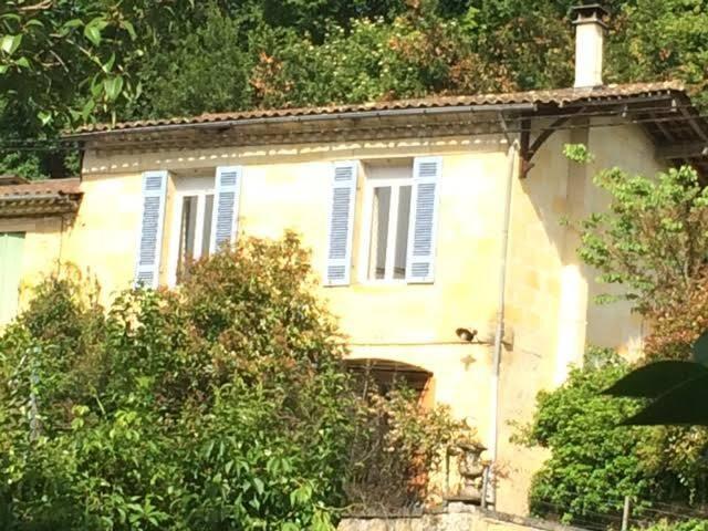 25 mns de Bordeaux , maison en pierre avec piscine