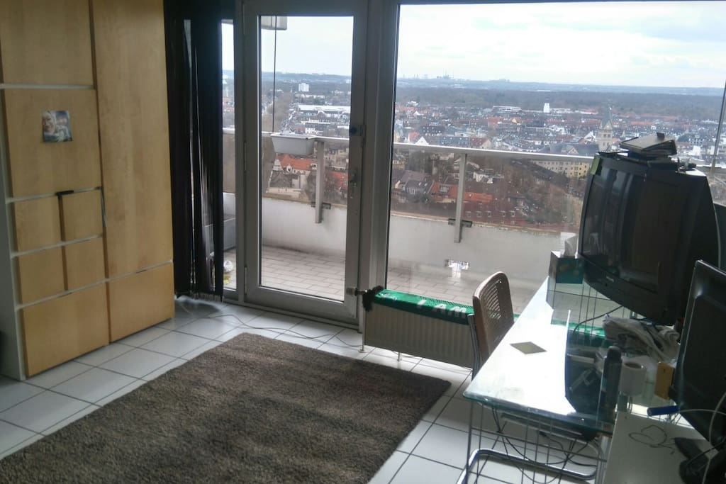 TV, plenty of floor space and storage (when required). View looking out onto Sülz from 20 storeys.