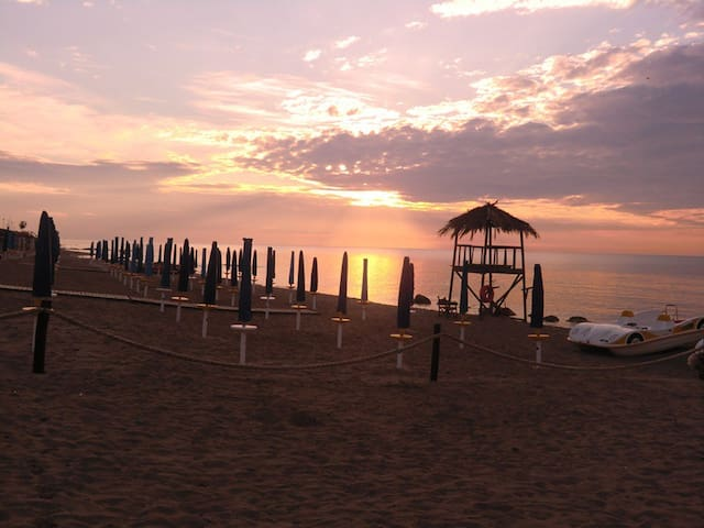 nuovissima villa a 70mt dal mare - Metaponto Lido - Villa