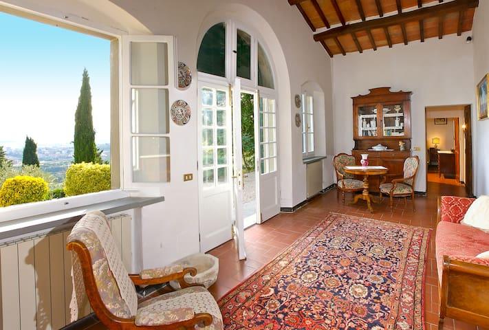 Villa Serenella sleep 2 with pool close to Cortona
