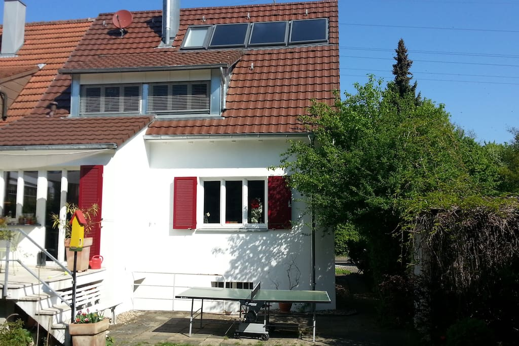 Charming house for family or group houses for rent in for Big houses in germany