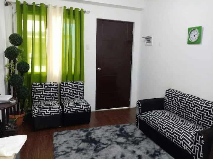 Staycation Condo sa Cainta ni Sarai Unit 502