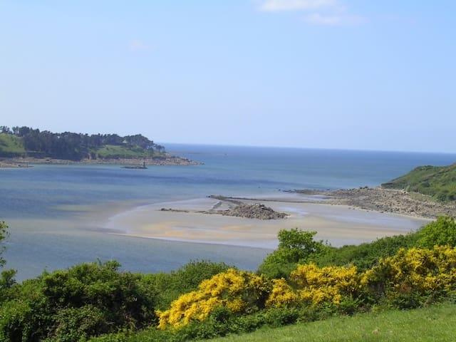 T2 au calme terrasse bord de mer - Ploulec'h