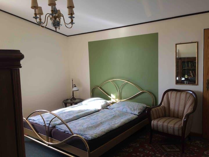 Zimmer mit Du/WC in Reitsportanlage