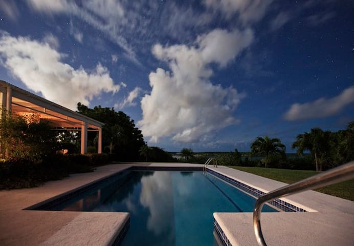 Blue Bay Antigua King Bouganville - Seatons - Bed & Breakfast