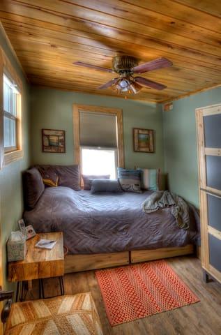 Twin Room #1