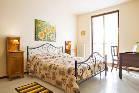 Country Sunshine - Codogno - Bed & Breakfast - 2