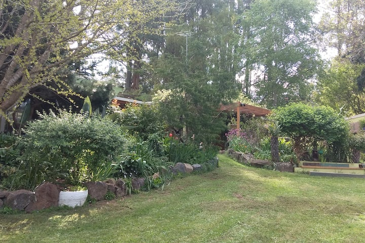 Braeside Bliss- Private Retreat-[ Groups up to  7]