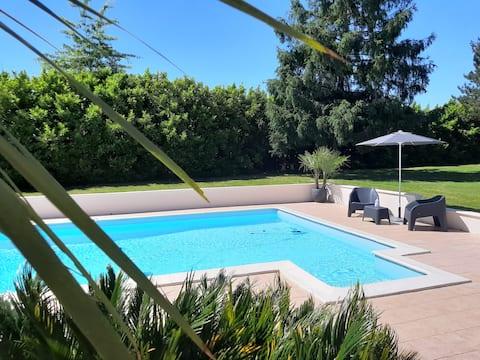 Gîte L'Ecureuil *** avec piscine et climatisation