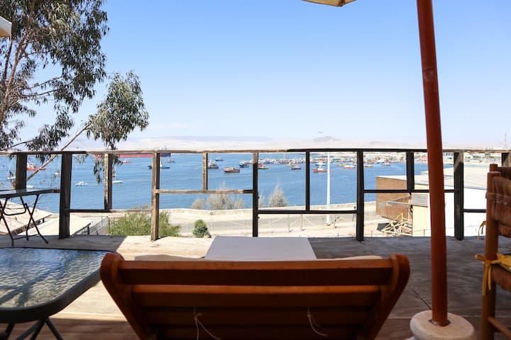 Amplia y cómoda casa con gran vista al mar.