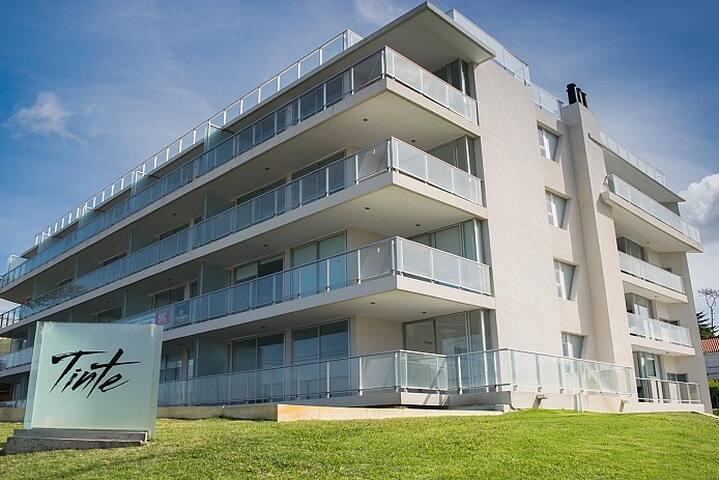 Edificio Tinte / Apartamento 2 dormitorios - Punta del Este - Apartament
