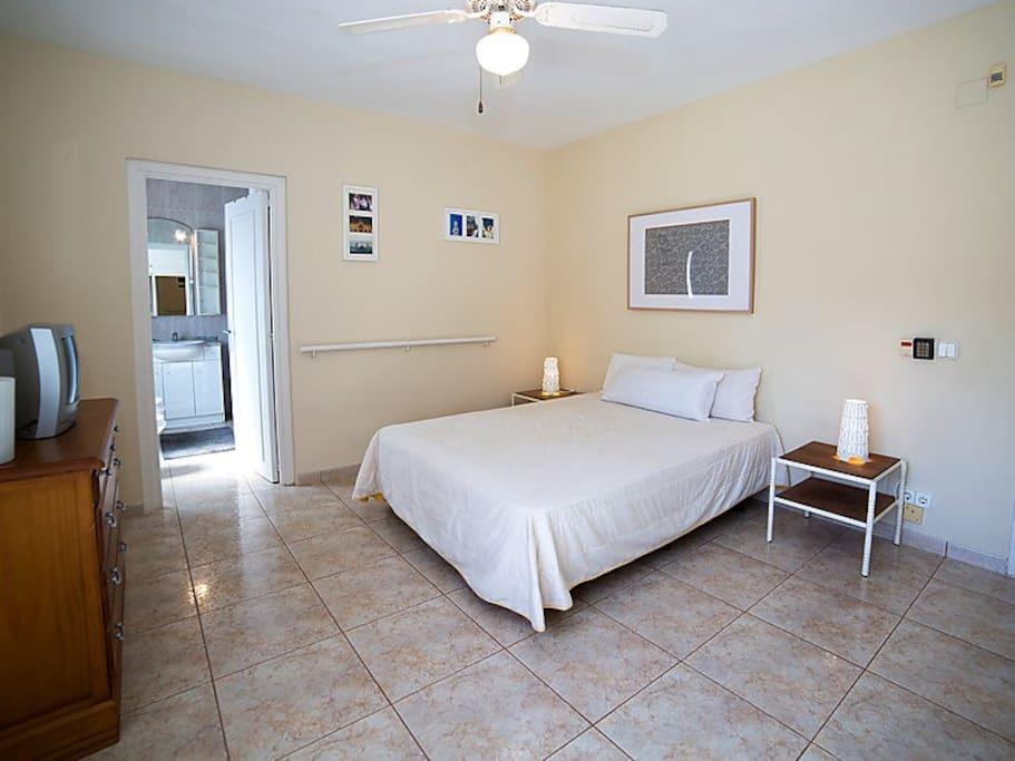 Habitación Doble con baño, tipo suite