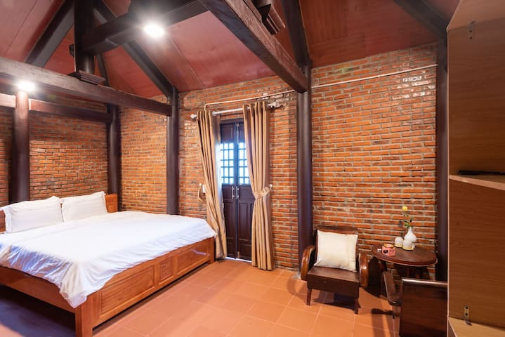 there are 4 double rooms in the homestay