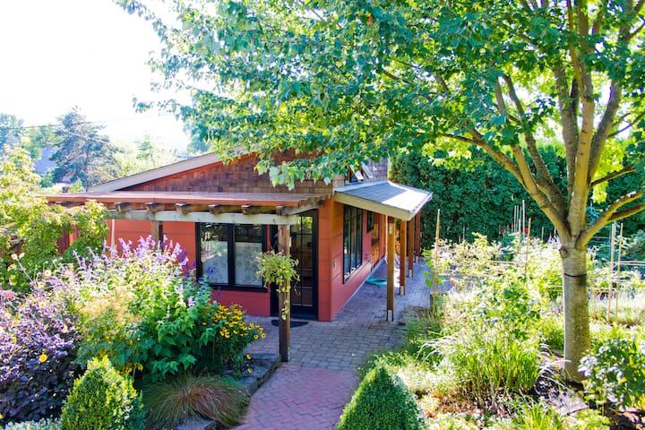 Private Garden Cottage  - Eugene - Maison
