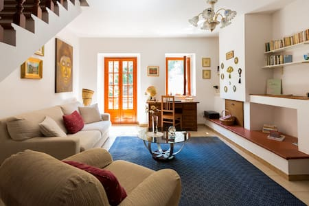 B&B Gallura low cost. Good service! - Bed & Breakfast